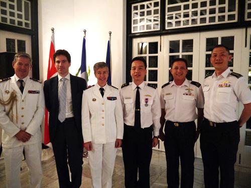 Visite du contre amiral anne cullerre singapour 16 au for Chambre de commerce francaise singapore