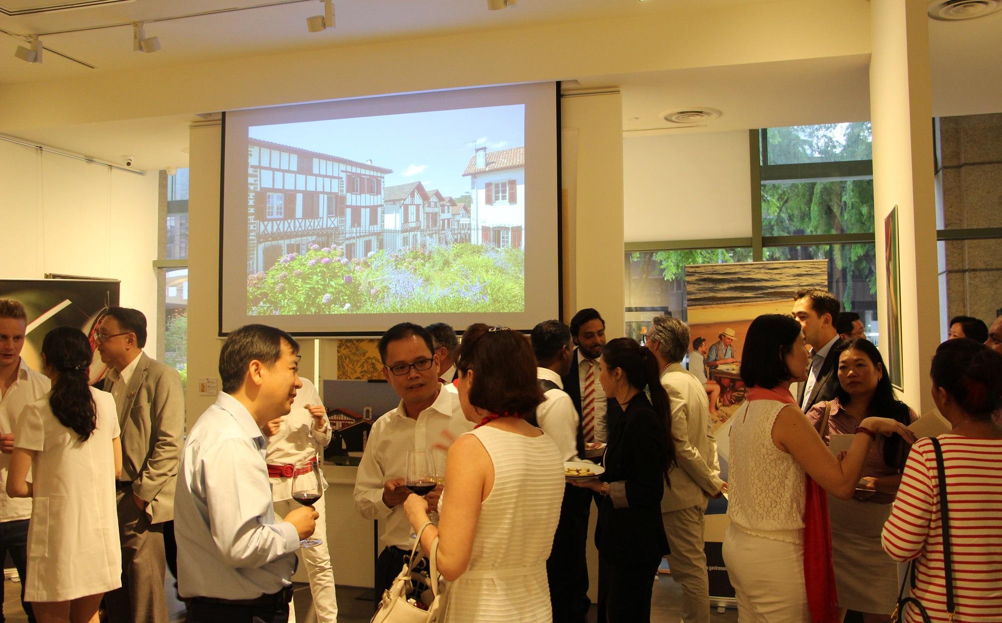 Soir e de d couverte du pays basque singapour la for Chambre de commerce francaise singapore