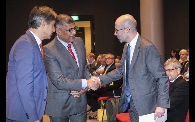 From left to right: Marc Abensour, Ambassador of France to Singapore ; The Honourable Sundaresh Menon, Chief Justice of Singapore ; Jacques Bouyssou, General Secretary of Paris City of Law Association